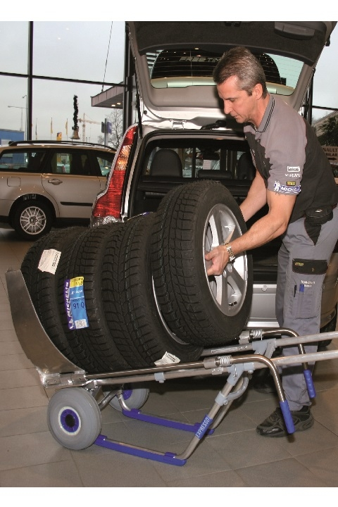 Carretilla Manual EXPRESSO Para Neumáticos mover eficientemente ruedas pesadas hasta ocho a la vez